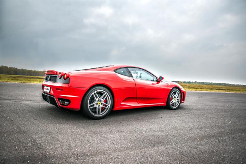 jazda Ferrari po torze