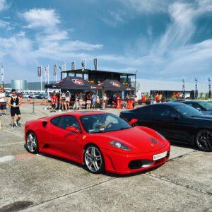 Ferrari - samochód sportowy