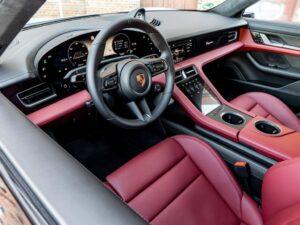 Wnętrze Porsche Taycan